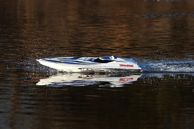 Amazon.com: Traxxas Blast: High Performance Race Boat with TQ 2.4GHz ...
