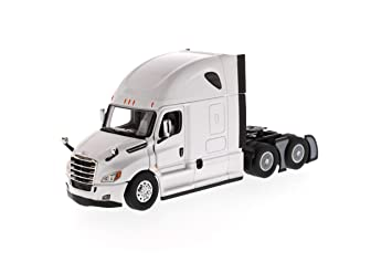 50% price save off fashion styles Amazon.com: Freightliner New Cascadia Sleeper Cab Truck ...