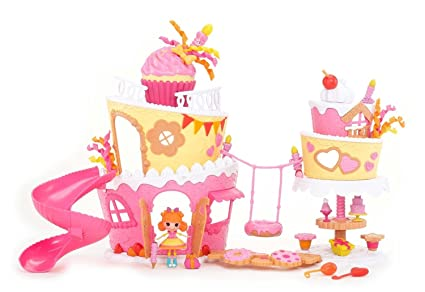 Amazon Com Mini Lalaloopsy Super Silly Party Cake Playset Toys Games