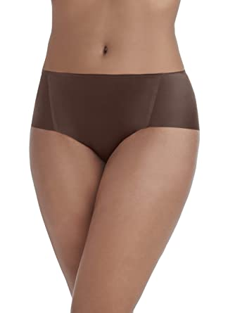 52107e0de317 Vanity Fair Women's Nearly Invisible Hipster Panty 18243, Cappuccino Small/5