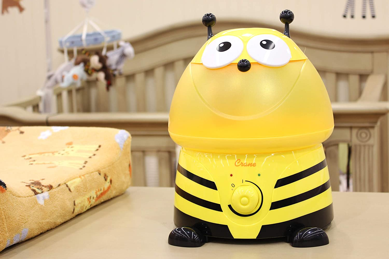 45 W 230 V gelb 25 x 23,5 x 31,5 cm Crane EE-8246 Ultraschall Luftbefeuchter f/ür das Kinderzimmer Buzz die Biene