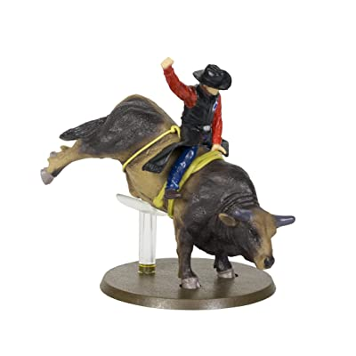 Big Country Toys Sweet Pro's Bruiser - 1:20 Scale - PBR 2020 Bull of The Year - Bull Riding Figurine - Rodeo Figurine: Toys & Games