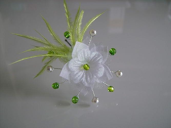 Robe de mariee blanche et vert pomme