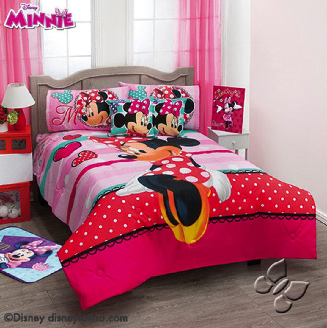 Disney Minnie Love 5 piece Reversible Comforter Set Twin