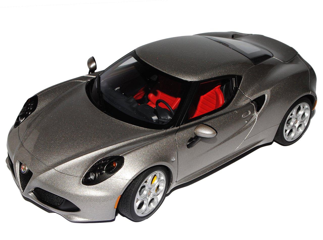 AUTOart Alfa Romeo 4C Metallic Grau Coupe Ab 2013 70187 1 18 Modell Auto mit individiuellem Wunschkennzeichen  Mit Wunschkennzeichen