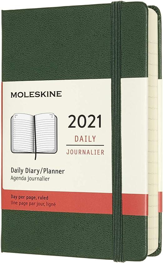 Moleskine - Agenda Diaria 2021 de 12 Meses con Tapa Dura y Cierre Elástico, Tamaño de Bolsillo de 9 x 14 cm, Color Verde Mirto, 400 Páginas: AA.VV: Amazon.es: Oficina y papelería