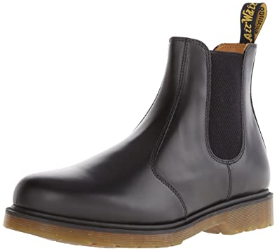 amazon com dr martens 2976 chelsea boot black smooth chelsea