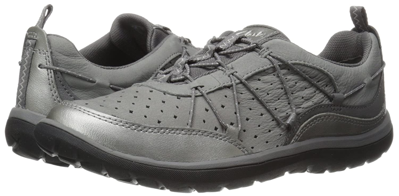 c61975ce10 Amazon.com | Clarks Women's Aria Flyer Fashion Sneaker | Fashion Sneakers
