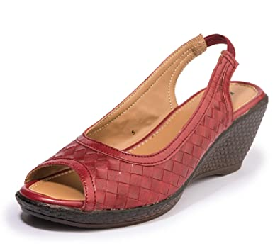df22879780f Khadims Women Casual Mule Sandal  Amazon.in  Shoes   Handbags