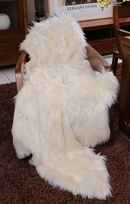 4bc99d337d Image Unavailable. Image not available for. Color  Lindsey Home Fashion  Faux Fur Throw ...