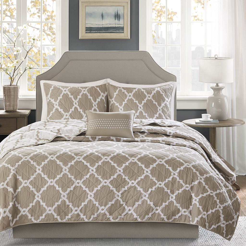Madison Park Essentials Merritt Full/Queen Size Quilt Bedding Set - Taupe, Geometric – 4 Piece Bedding Quilt Coverlets – Ultra Soft Microfiber Bed Quilts Quilted Coverlet