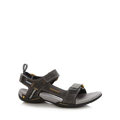 bb5fc7ac546 Clarks Mens Grey  Victus  Double Strap Sandals 10  Amazon.co.uk  Shoes    Bags