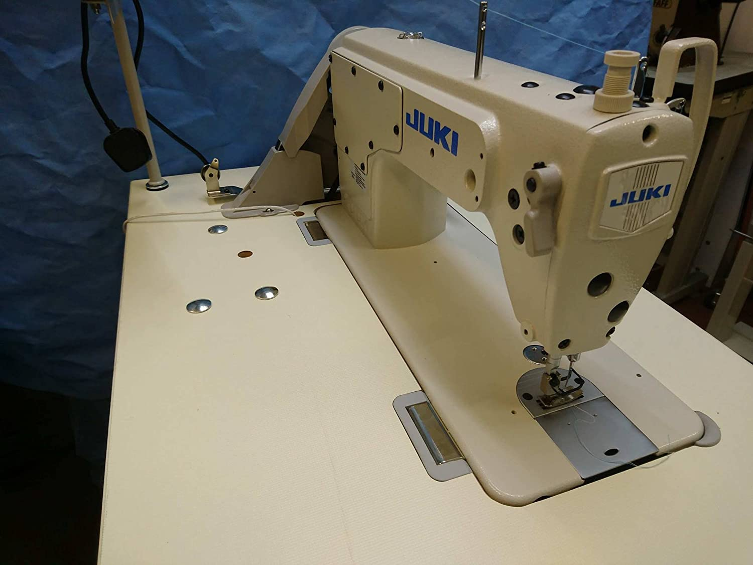 Juki DDL 8100e Industrial Sewing Machine, [Importado de Reino ...