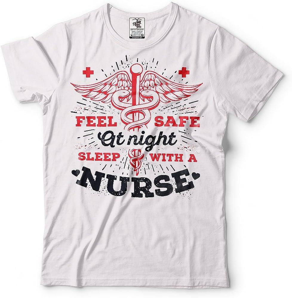 Silk Road Tees Divertida de la Enfermera Camiseta de los Hombres de Regalo para la Enfermera se sienten Seguros Nurese Camiseta Small Armada: Amazon.es: Ropa y accesorios
