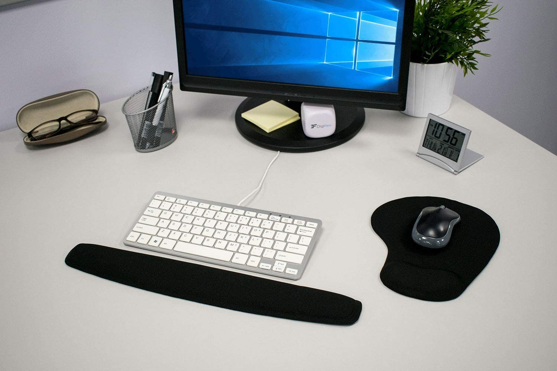TRIXES Almohadilla de Gel para teclados y Alfombrilla para el ratón con Soporte para la muñeca en Negro