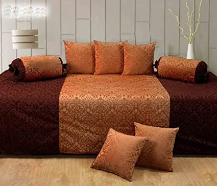 Handtex Home Velvet Diwan Set (Content: 1 Single Bed Sheet, 5 Cushion Cover