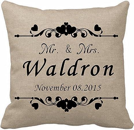 Amazon.com: Generic personalizado Señor y Señora almohada ...
