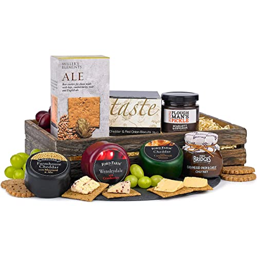 Cheese Hamper with Chutney & Crackers