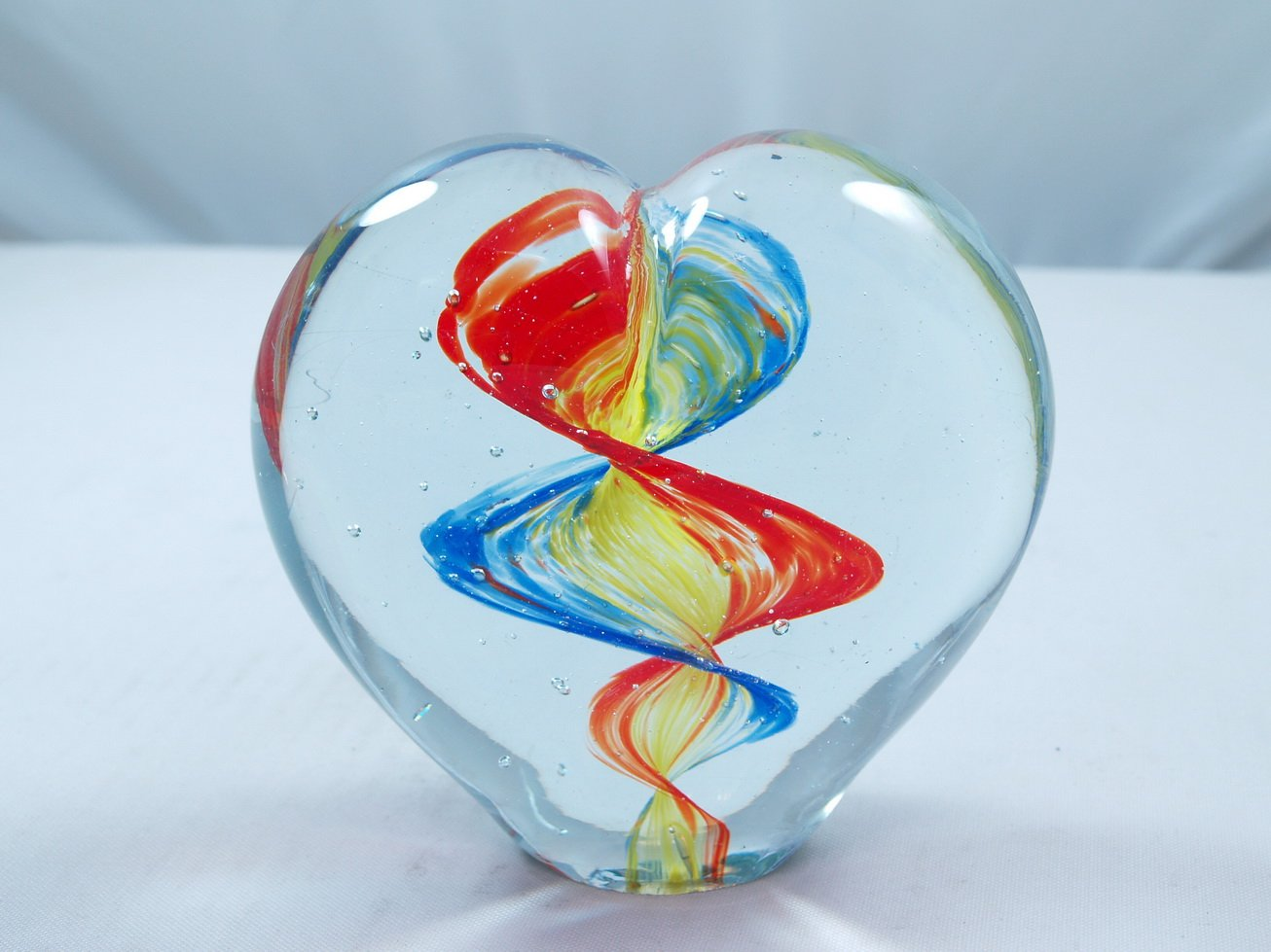 M Design Art Twin Rainbow Wave Heart Art Glass Paperweight