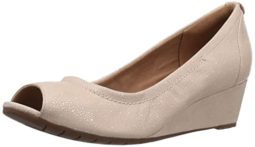 dc99b6c76a95 Clarks Women s Vendra Daisy Dress Pump  Buy Online at Low Prices in ...