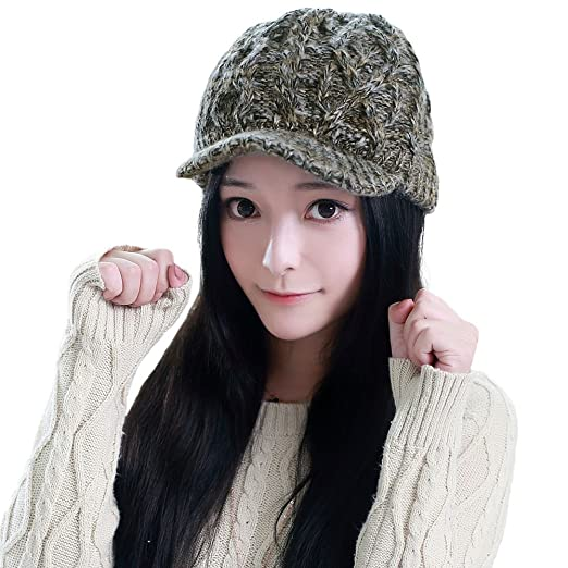 WOMEN'S TRENDY KNITTED VISOR BEANIE PERFECT FOR THE HOLIDAYS!