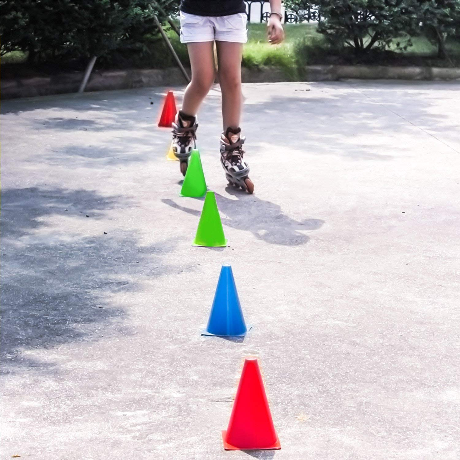 4 Colors Kuyou Sport Cones Football Training Cones Marker Traffic Cone Set 12 Pack For Kids Home Gym Soccer