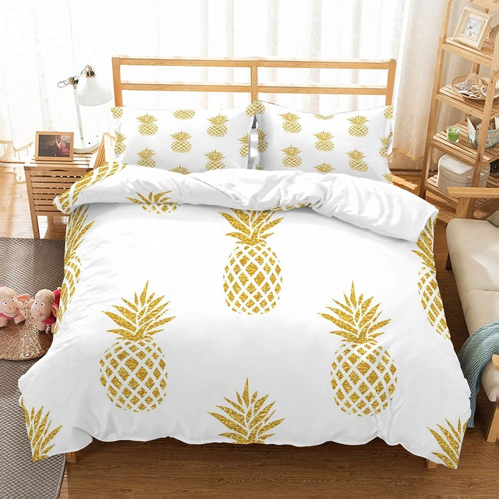 MOUMOUHOME 3D Dazzling Gold Pineapples Printed Background White Duvet Cover Bedding Set for Kids,Teens and Adults,Tropical Fruits Theme Full Size 3 Pieces with 2 Pillowcase,No Comforter