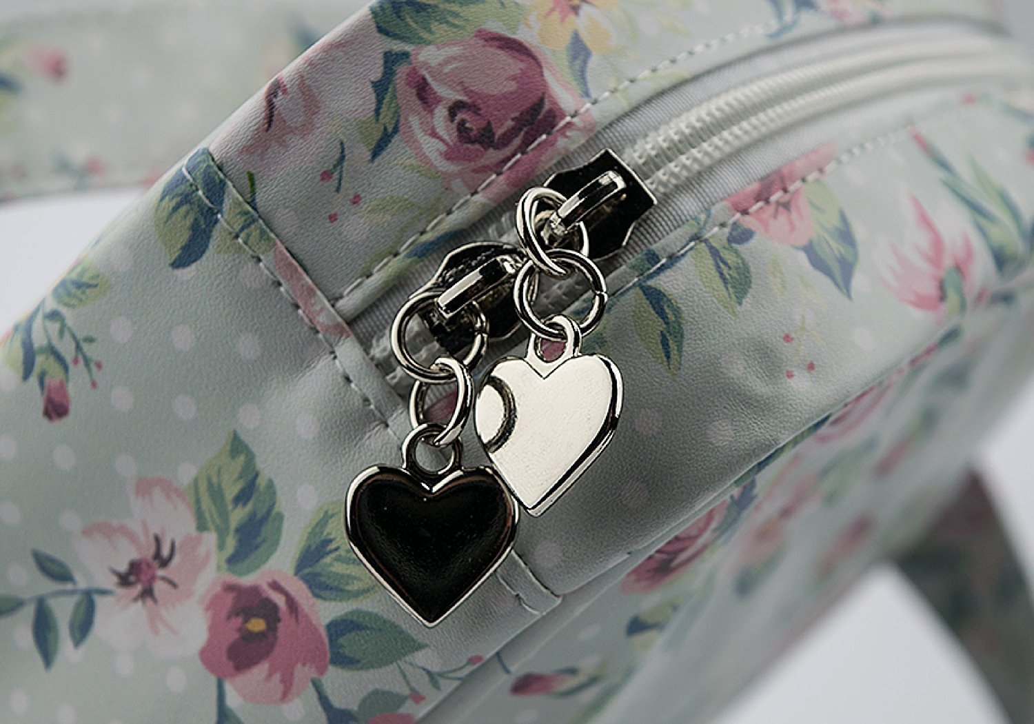 A Hanging Travel Bag Ideal for Makeup and Toiletries With Carrying Handle and Beautiful Stylish Design B1091 Bella and Bear Toiletry Bag for Women