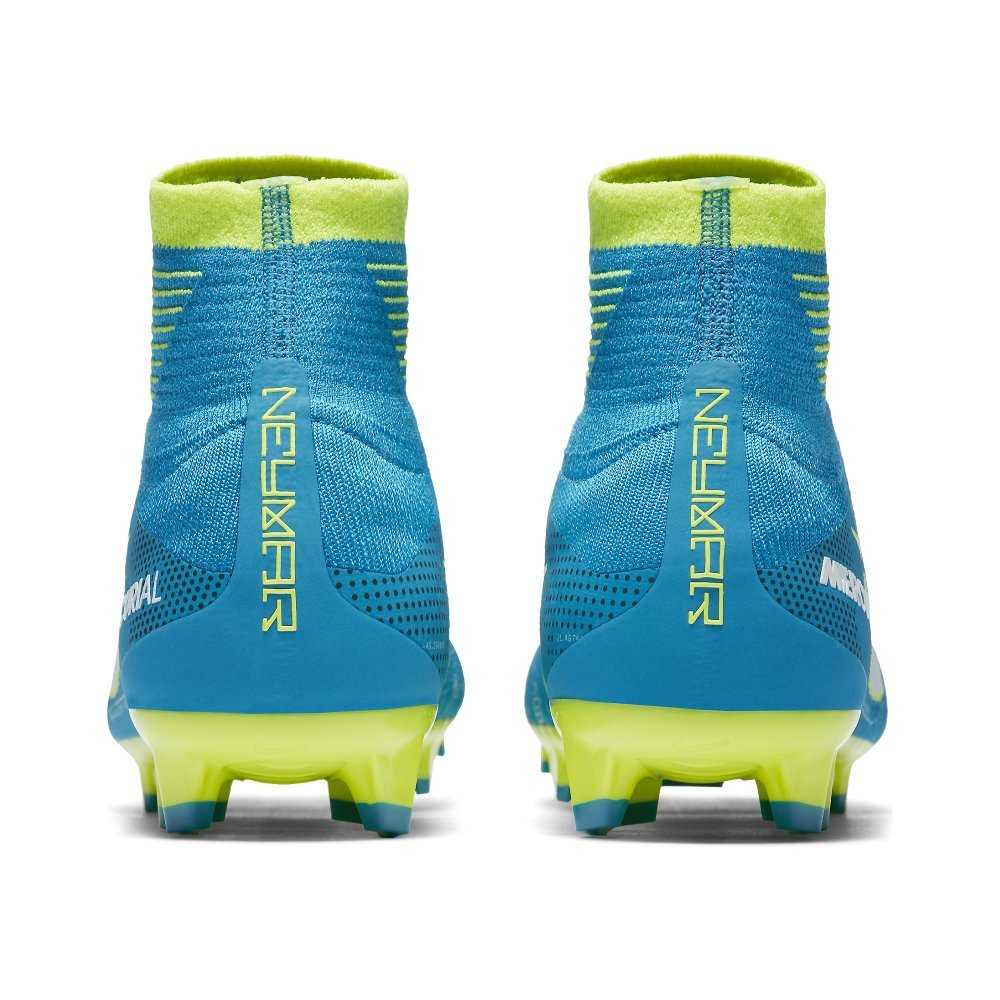 the latest 98c69 617b6 Amazon.com   Nike Jr. Mercurial Superfly V Dynamic Fit Neymar FG Soccer  Cleats   Soccer