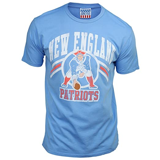 4f97b744f3a New England Patriots Men's Retro Vintage T-Shirt (Blueberry, Medium)