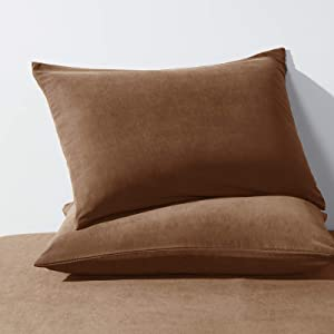 HAPPYMOON Standard Size Bedding Pillowcases - 2 Pack - Soft Brushed Microfiber Fabric- Wrinkle, Shrinkage and Fade Resistant Pillow Covers(20 X 26, Brown)