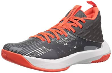 58b19fedfd0e Under Armour Boys  Grade School Lightning 5 Basketball Shoe