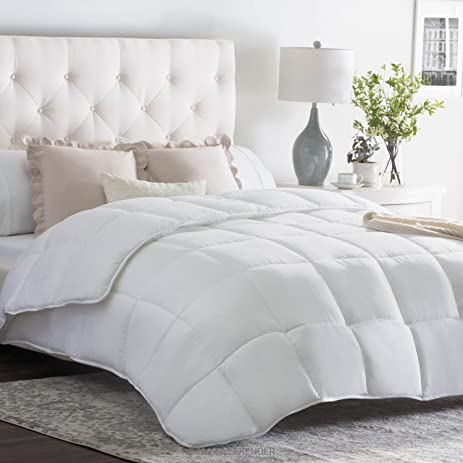 Amazon.com: WEEKENDER Quilted Down Alternative Hotel-Style ... : quilt vs comforter vs duvet - Adamdwight.com