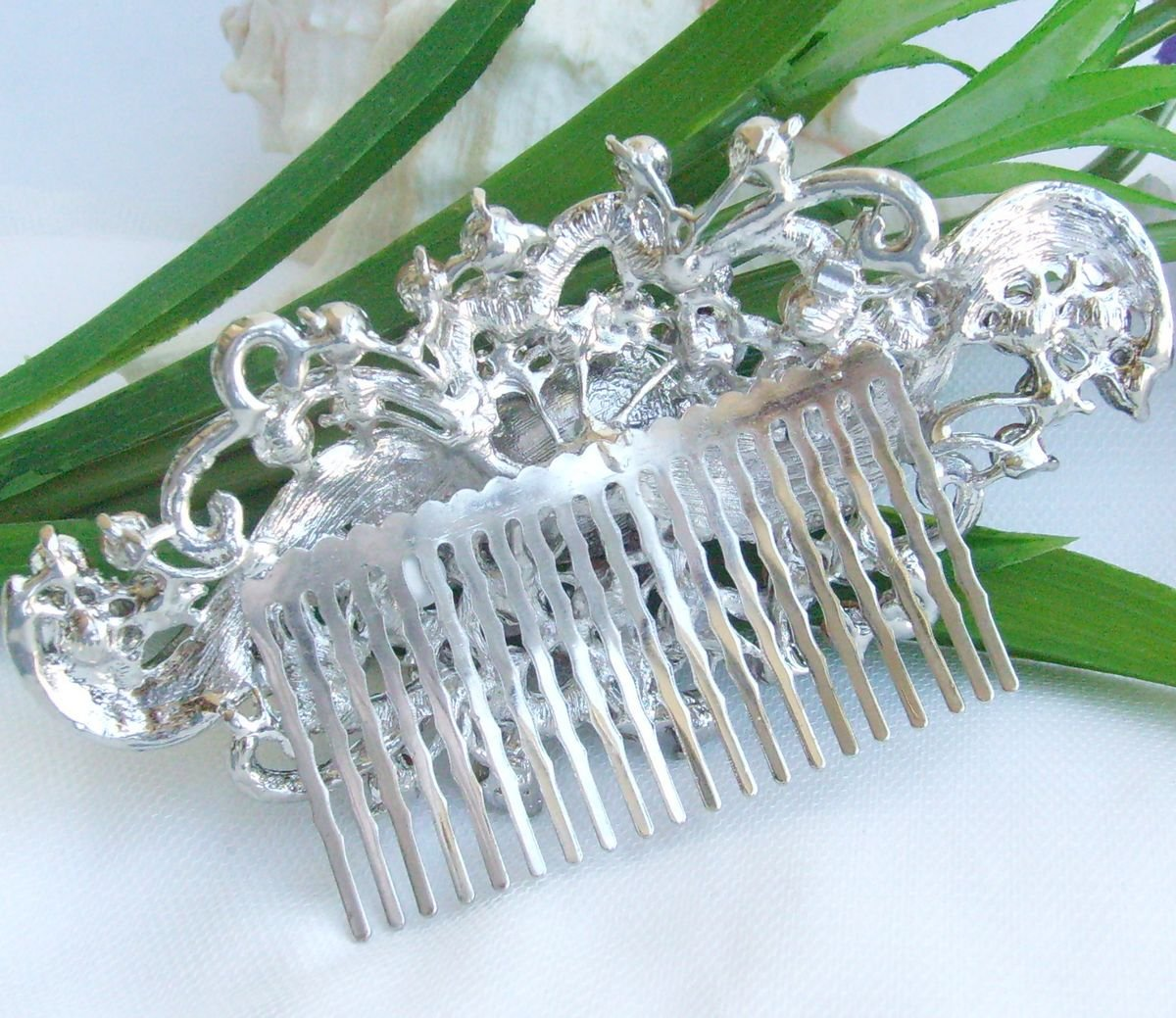 Sindary Wedding Headpiece 4.53 Inch Silver-tone Clear Rhinestone Crystal Flower Hair Comb by Sindary Jewelry (Image #6)