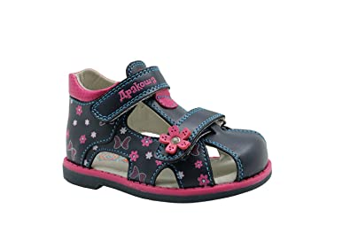 cb4b7dc63 Apakowa Boy s and Girl s Double Adjustable Strap Closed-Toe Sandals ...