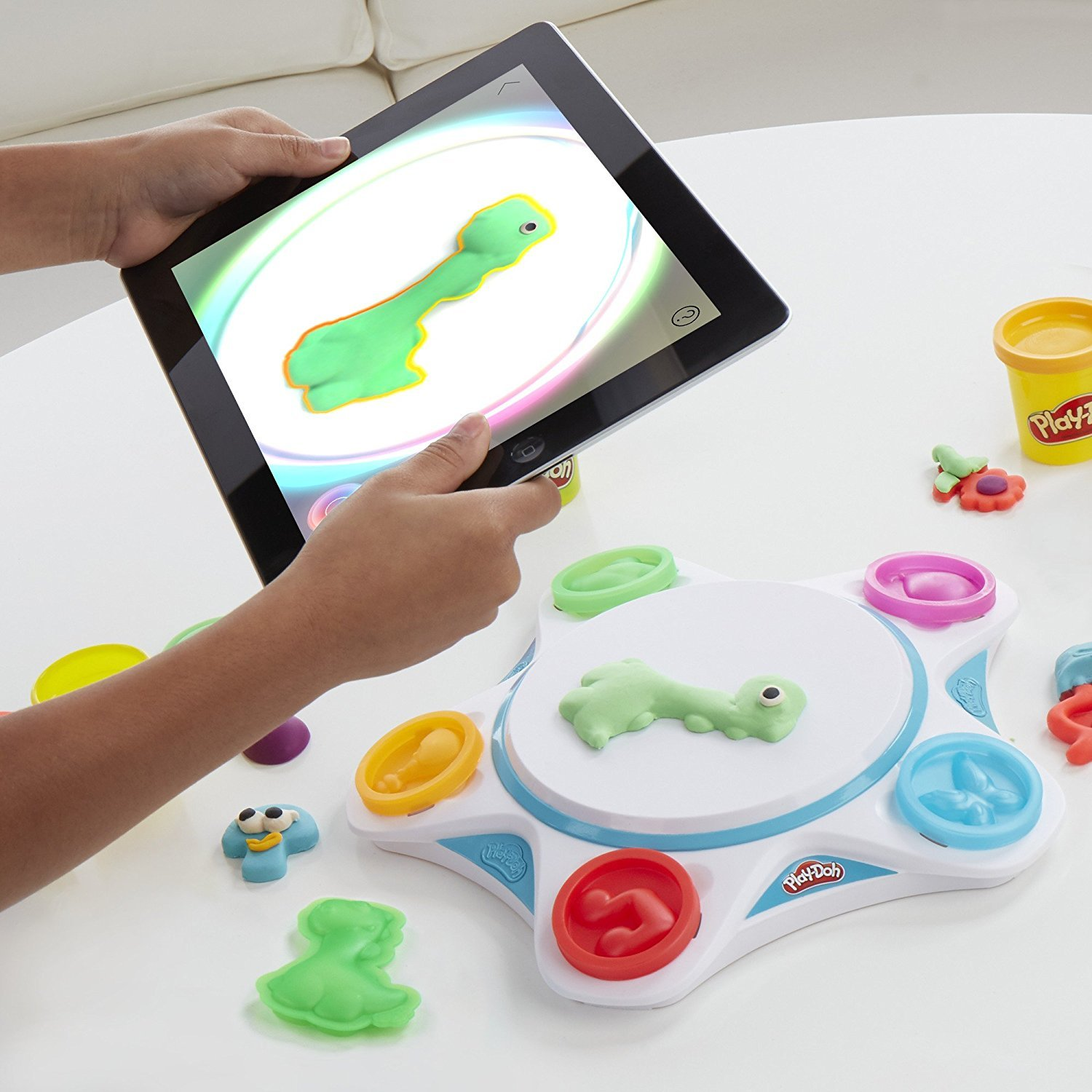 Play-Doh Touch Shape to Life Studio Bundle with Glow In The Dark 2oz Hasbro
