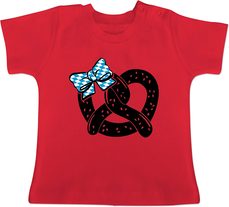Oktoberfest Baby Brezel mit Schleife schwarz Baby T-Shirt Kurzarm