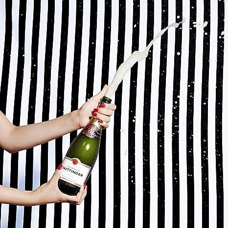泡の出ているシャンパン