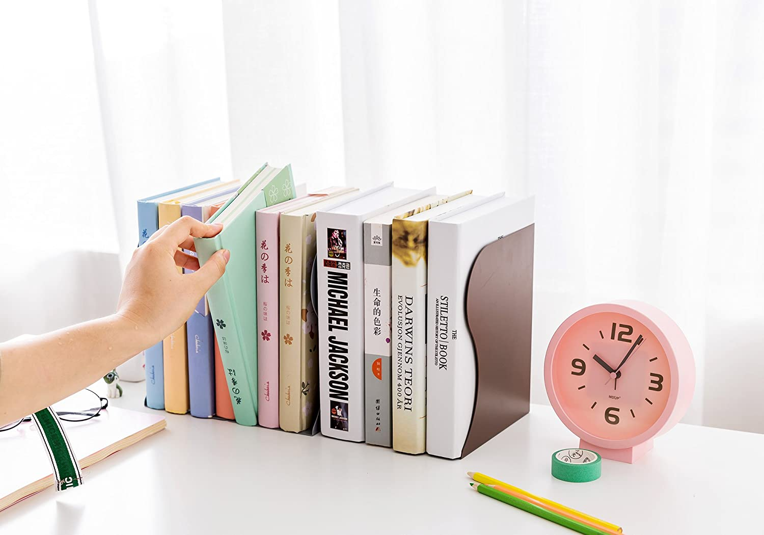 Y-H Simple Style Decorative Metal Iron Bookends Holder Stand Desk Nonskid Adjustable Bookend White