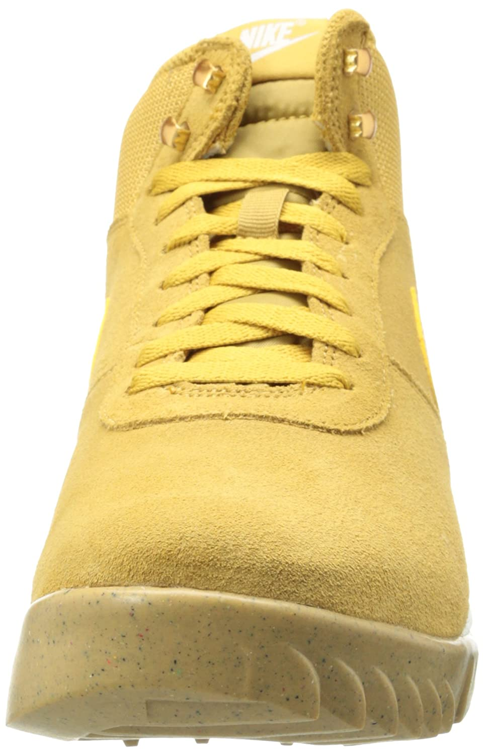 brand new 378ef affb3 Amazon.com   Nike Hoodland Suede Men s Lace-up Boots   Basketball