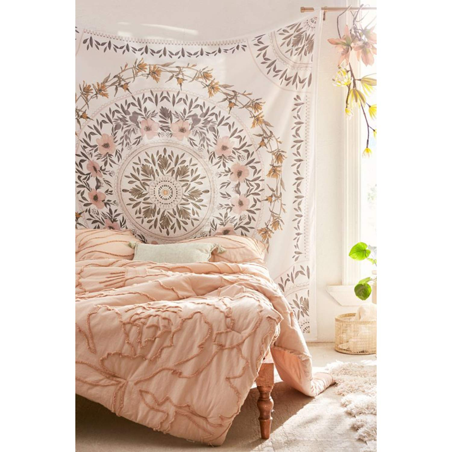 Simpkeely Sketched Floral Medallion Tapestry, Bohemian Mandala Wall Hanging Tapestries, Indian Art Print Mural for Bedroom Living Room Dorm Home Décor 59.1x80 Inches(Mauve)