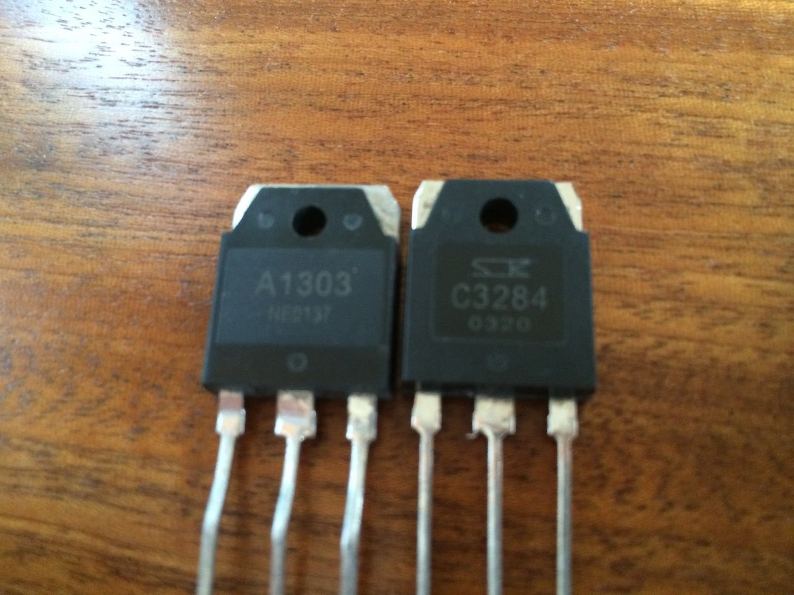 5 Pairs of 2SA1303 + 2SC3284 Audio Power Transistor