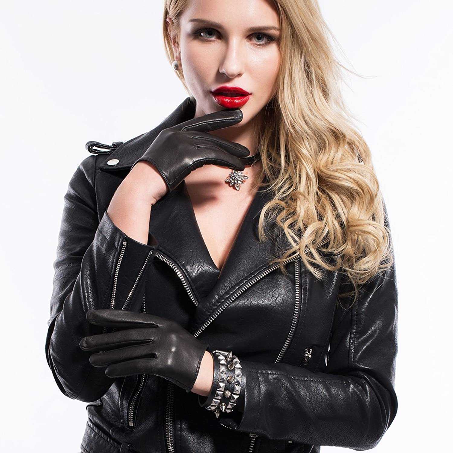 Imagini pentru woman with leather gloves