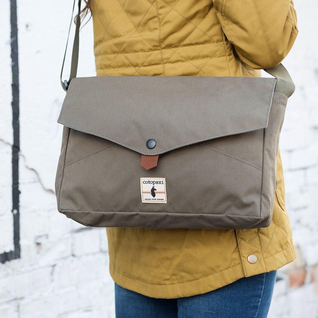 384883c719 Amazon.com  Cotopaxi Lima Canvas Messenger Bag Satchel - Fits 13