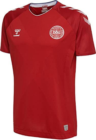 e1fb2ded79f4 Denmark 2018 Home S S Football Shirt - Tango Red  Amazon.co.uk  Clothing