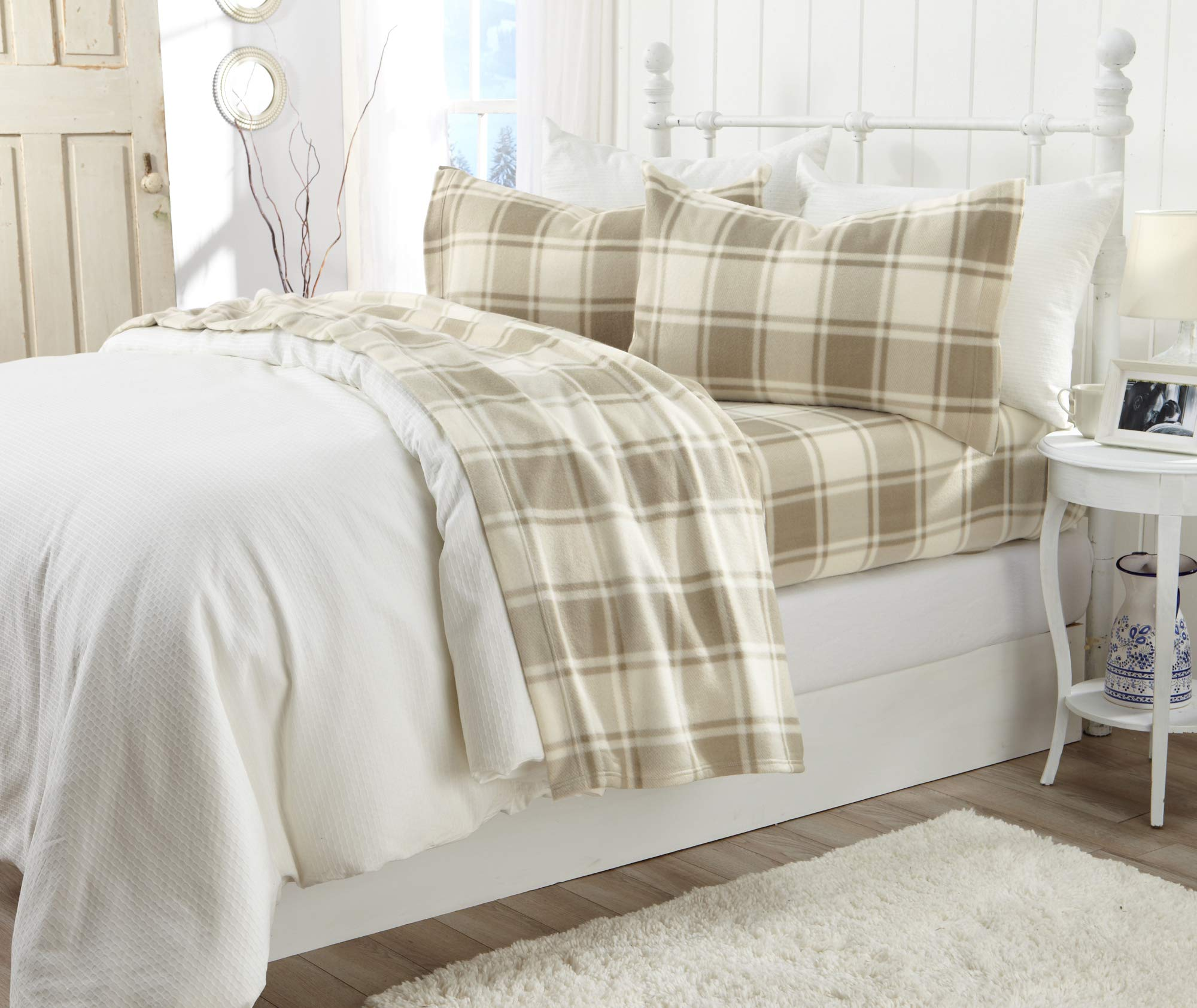 Great Bay Home Super Soft Extra Plush Plaid Polar Fleece Sheet Set. Cozy, Warm, Durable, Smooth, Breathable Winter Sheets with Plaid Pattern. Dara Collection Brand. (Full, Taupe) by Great Bay Home (Image #4)