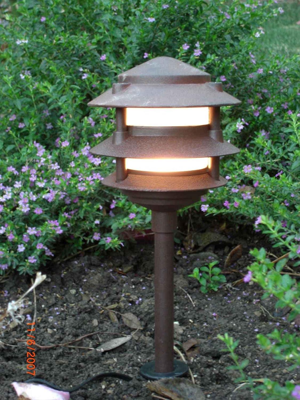 Amazon.com : Low Voltage Landscape 3 Tier Pagoda Lights : Landscape Path  Lights : Patio, Lawn U0026 Garden