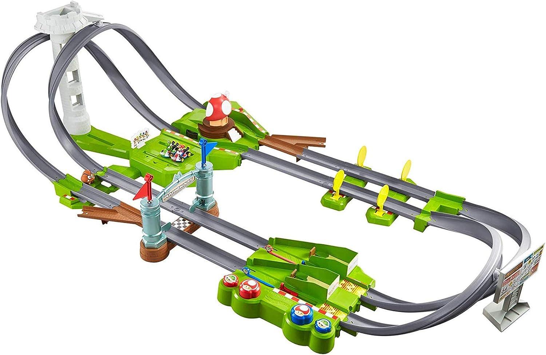 Amazon Com Hot Wheels Mario Kart Circuit Track Set With 1 64