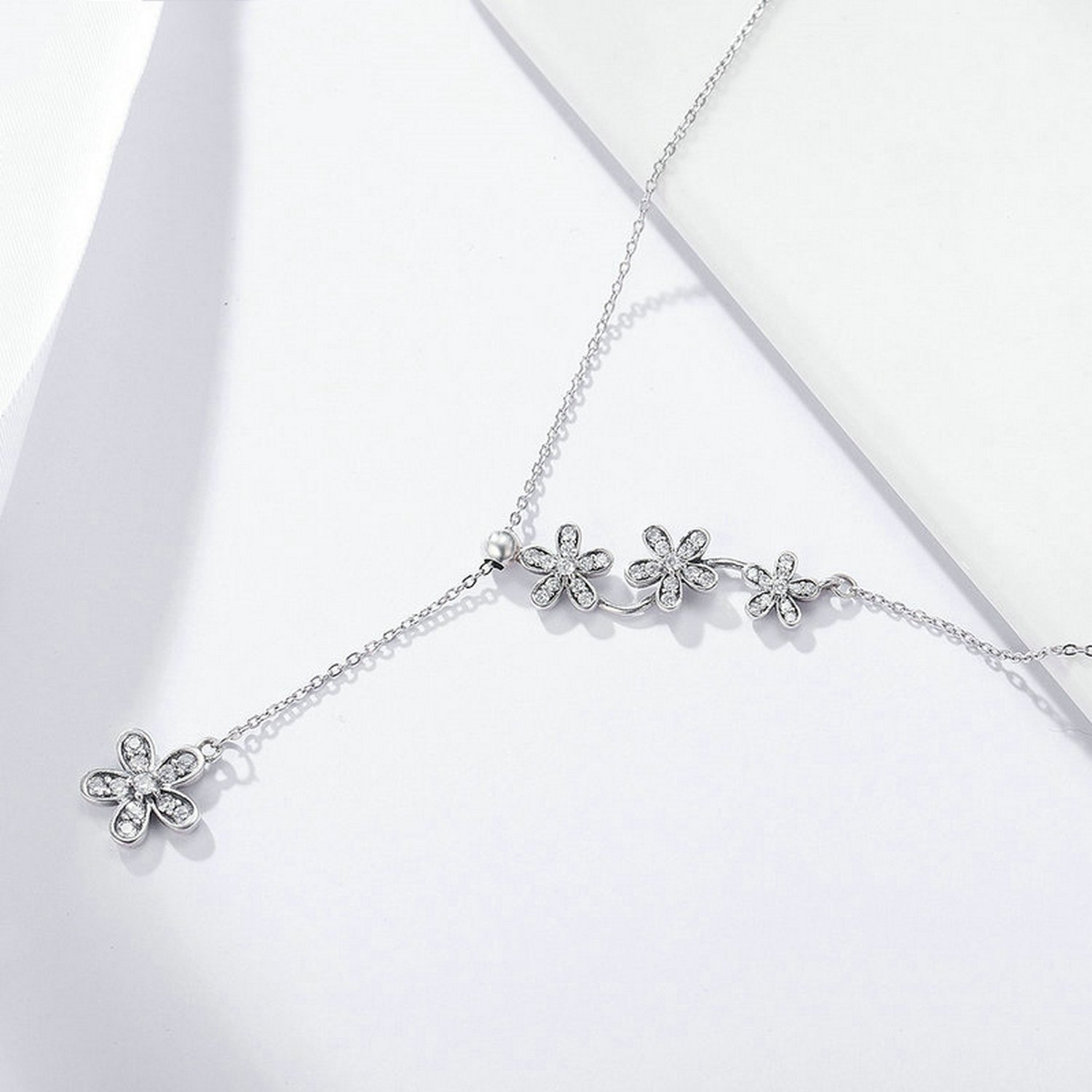 CS-DB Jewelry Silver Luminous Daisy Flower Tassel Chain Charm Pendants Necklaces