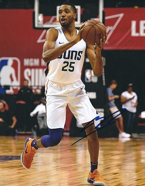 competitive price 74b27 821b5 Autographed Mikal Bridges Phoenix Suns 8x10 Photo at ...